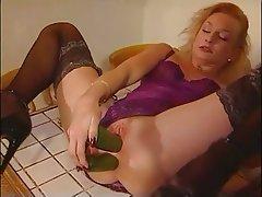 Amateur, Stockings